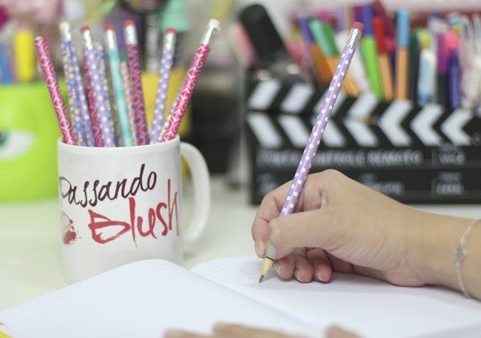 diy-canetas-coloridas-1