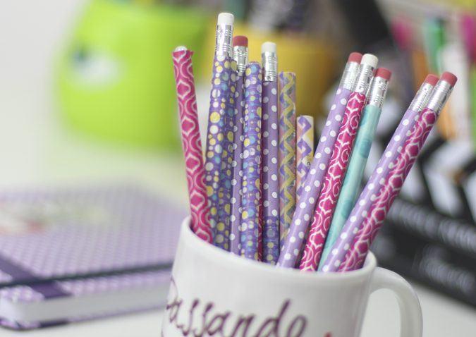 diy-canetas-coloridas-2