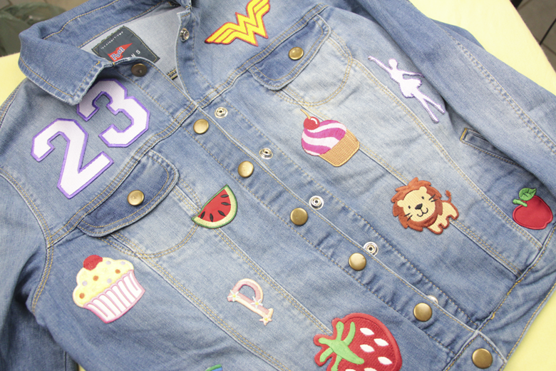 jaqueta-jeans-com-patches-1